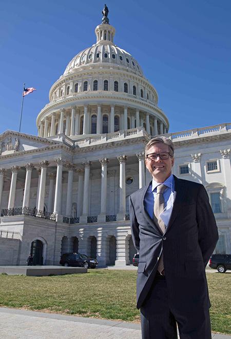 LLU neurosurgery professor briefs congressional caucus