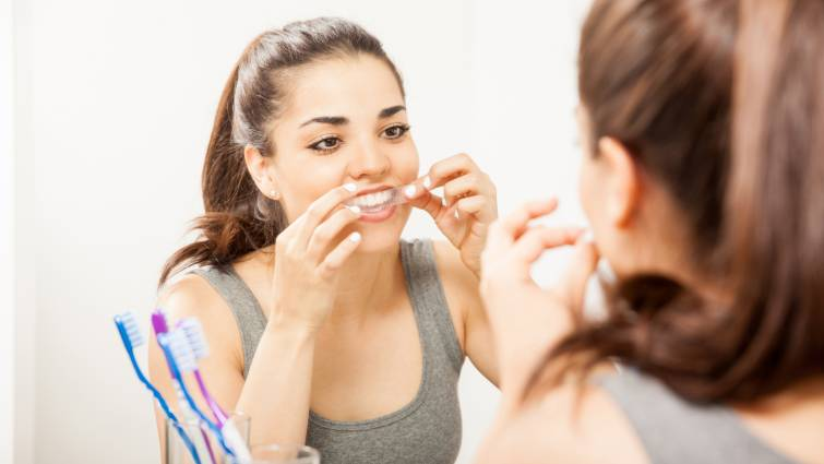 7 dentist-approved tips to safely whiten your teeth | LLUH News