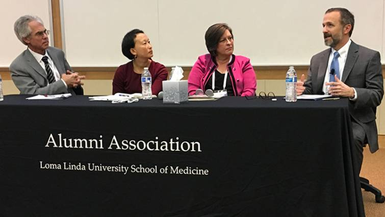 From left to right: Richard Rice, PhD; Grace Oei, MD; Barbara Couden Hernandez, PhD; and guest lecturer Farr Curlin, MD