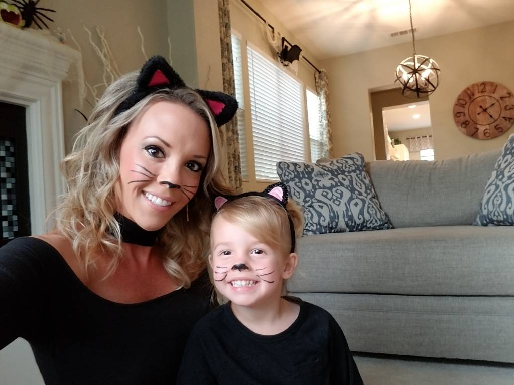 Vivian and Mommy dressed like cats