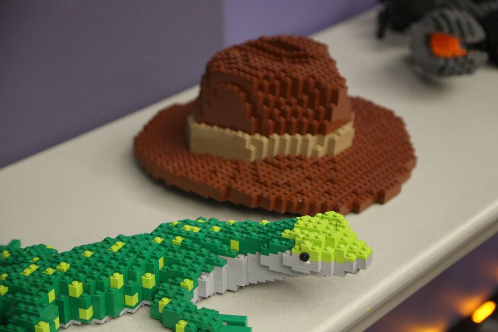 Lego hat and lego lizzard