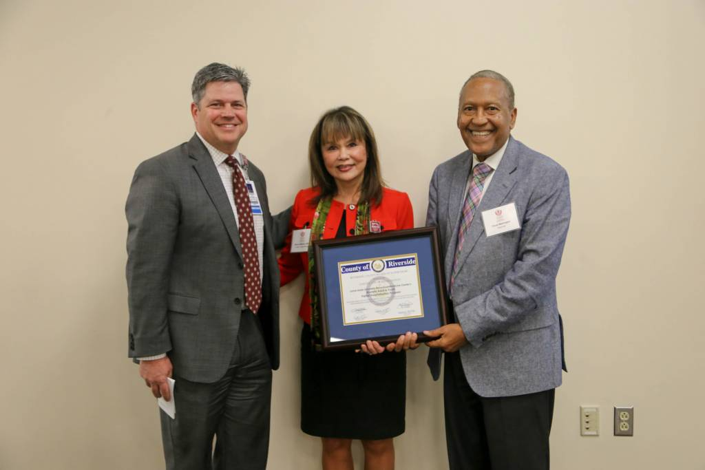 Chuck Washington, Riverside County District 3 supervisor, presented a certificate of excellence to LLUBMC.