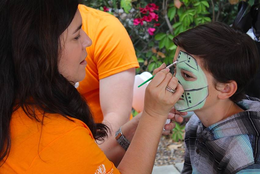 Free face painting was available for kids. EVen some adults took advantage.