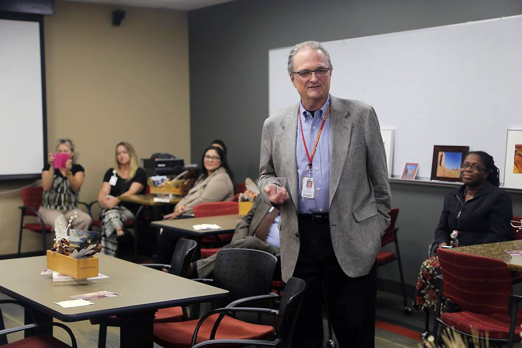 Jerry Daly, MA, MSLS, assistant vice president for global outreach, Loma Linda University Health, thanked Carlene Drake for her service during a retirement reception on June 14.