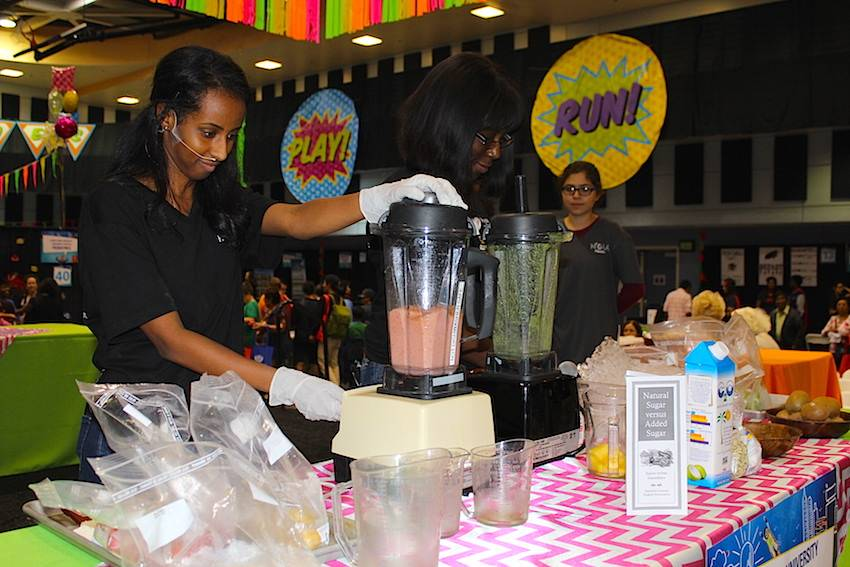 Free cooking demos were offered throughout the day. Fruit and veggie smoothies were demoed and taste tested.
