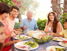 Researchers have found that adhering to the 2015 Dietary Guidelines for Americans pays significant health dividends even for people living outside the United States.