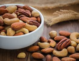 Eating nuts can reduce weight gain, study says