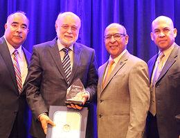 Inland Empire Economic Partnership presents leadership award to LLUH President Richard Hart